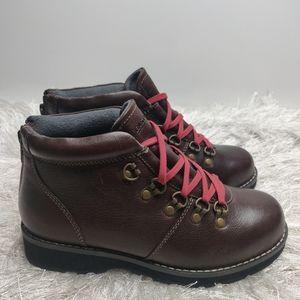 Eastland Margot hiking boots sz 7.5 NwT